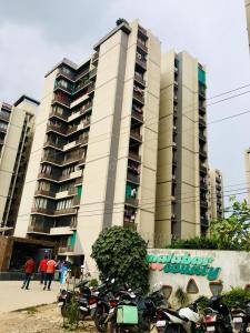 Gallery Cover Image of 1170 Sq.ft 2 BHK Apartment for buy in Ganesh Malabar County II, Chharodi for 4300000