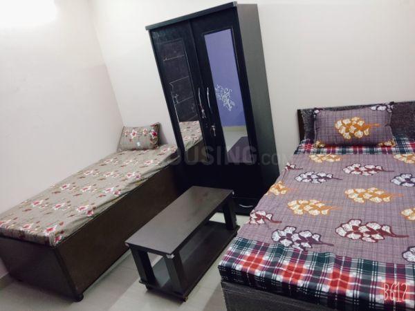 विवेक विहार में एंजेल गर्ल्स पीजी के बेडरूम की तस्वीर