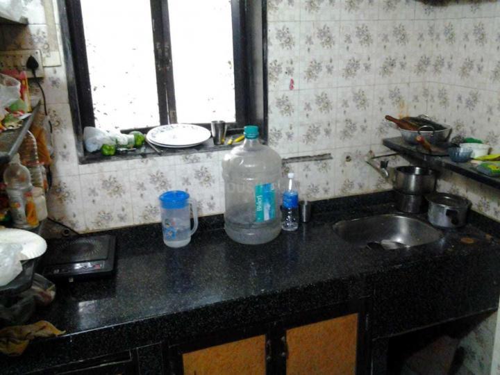 म्हात्रे नगर में मेल पीजी रिक्वाइर्ड के किचन की तस्वीर