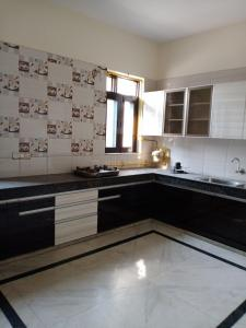 Gallery Cover Image of 1875 Sq.ft 3 BHK Independent House for rent in Sector 50 for 25000