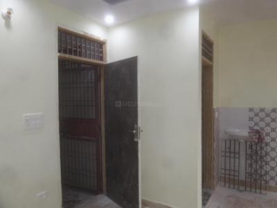 Gallery Cover Image of 400 Sq.ft 1 BHK Apartment for buy in Dwarka Mor for 1600000