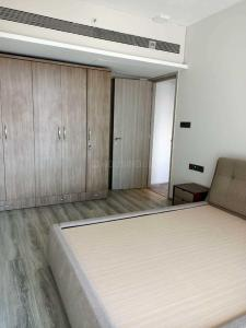 Gallery Cover Image of 1200 Sq.ft 2 BHK Apartment for rent in Khar West for 170000