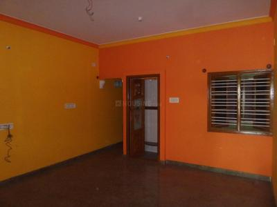 Gallery Cover Image of 1100 Sq.ft 2 BHK Apartment for rent in Rajajinagar for 17000
