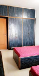 Bedroom Image of Available Fully Furnished Paying Guest Accommodation Without Brokerage in Andheri East