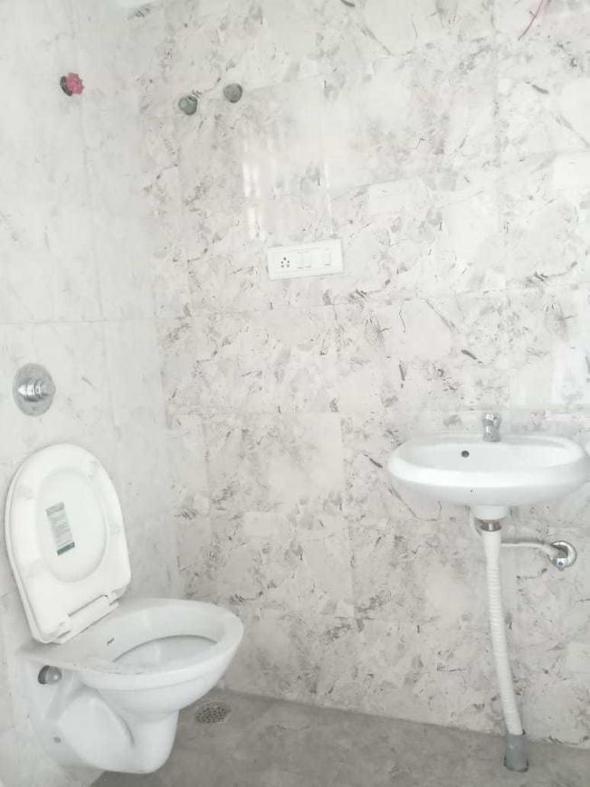 Bathroom Image of 690 Sq.ft 1 RK Apartment for rent in Keshtopur for 5500