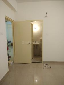 Gallery Cover Image of 910 Sq.ft 2 BHK Apartment for rent in Behala for 15000