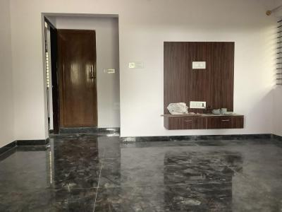 Gallery Cover Image of 800 Sq.ft 2 BHK Apartment for rent in Kodathi for 17000