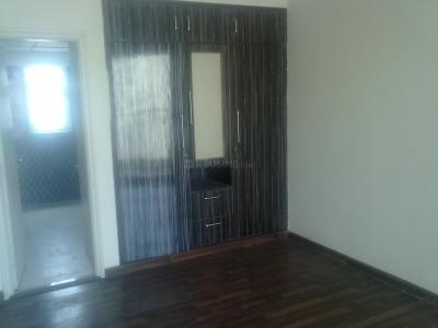 Gallery Cover Image of 1743 Sq.ft 3 BHK Apartment for rent in Sector 72 for 25000