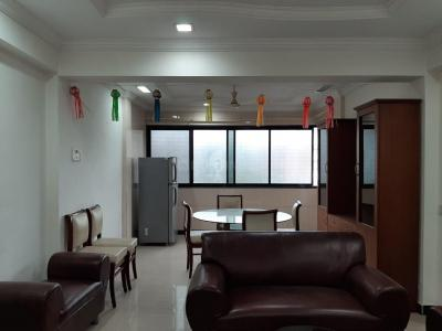 Gallery Cover Image of 1500 Sq.ft 3 BHK Apartment for buy in Santacruz East for 27000000
