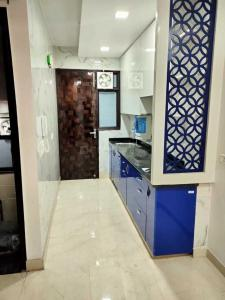 Gallery Cover Image of 500 Sq.ft 1 BHK Independent Floor for rent in Pitampura for 15000