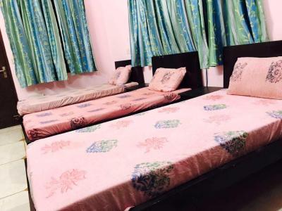 Bedroom Image of Girls PG in Sector 31