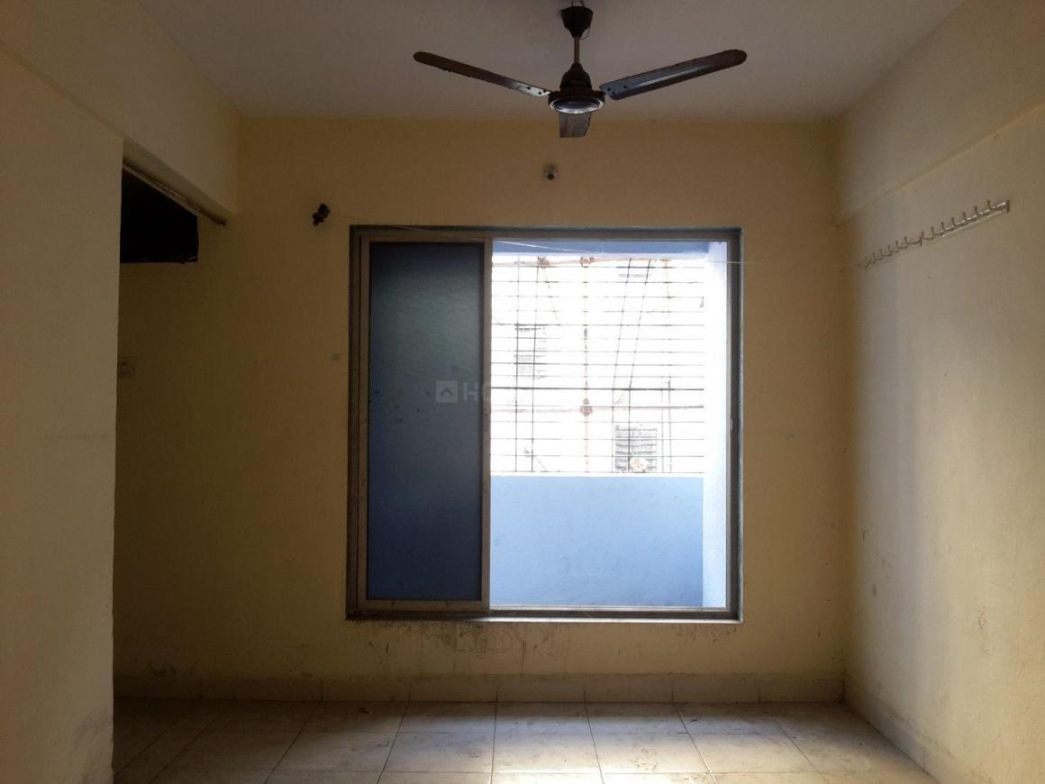 Living Room Image of 650 Sq.ft 1 BHK Apartment for rent in Airoli for 13000