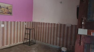 Gallery Cover Image of 187 Sq.ft 1 BHK Independent Floor for rent in Sector 19 for 10000