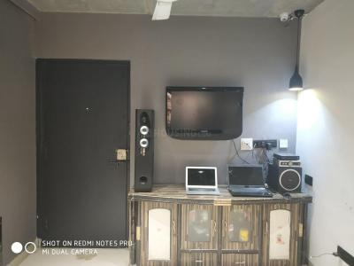 Gallery Cover Image of 750 Sq.ft 2 BHK Apartment for rent in Mira Road East for 35000