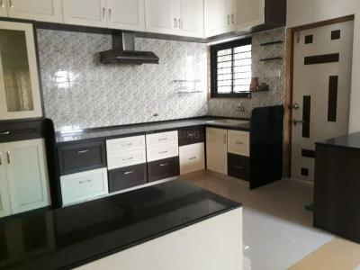 Gallery Cover Image of 1260 Sq.ft 2 BHK Apartment for rent in Chanakyapuri for 15000