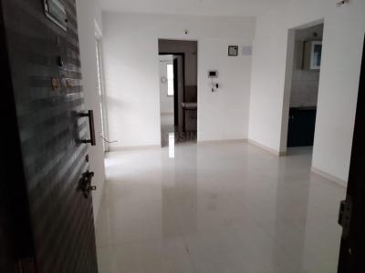 Gallery Cover Image of 1044 Sq.ft 2 BHK Apartment for rent in RR Akshay Heights, Wakad for 16000