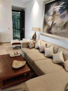 Gallery Cover Image of 2105 Sq.ft 3 BHK Apartment for rent in Supertech Supernova, Sector 94 for 40500