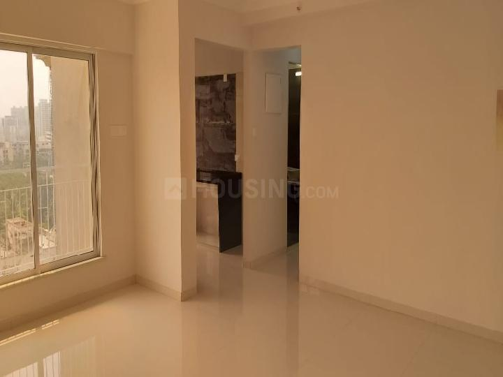 Living Room Image of 550 Sq.ft 2 BHK Apartment for rent in Borivali West for 33000