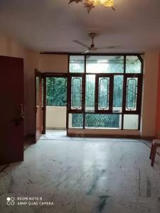 Gallery Cover Image of 1000 Sq.ft 1 BHK Independent Floor for rent in Chittaranjan Park for 23000