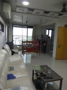 Gallery Cover Image of 800 Sq.ft 1 BHK Apartment for rent in Bandra West for 65000