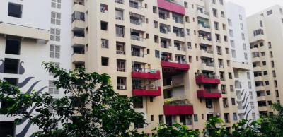 Gallery Cover Image of 2000 Sq.ft 3 BHK Apartment for rent in Ujjwala Luxury Apartments, Rajarhat for 60000