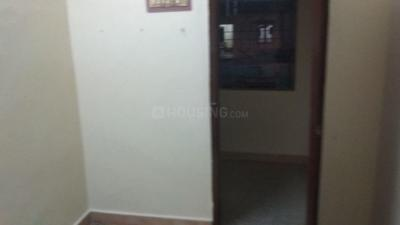 Gallery Cover Image of 750 Sq.ft 2 BHK Apartment for rent in Chromepet for 7500