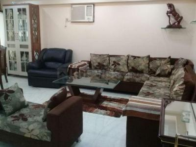Gallery Cover Image of 2000 Sq.ft 3 BHK Apartment for rent in Khar West for 225000
