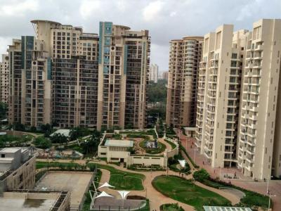Gallery Cover Image of 1350 Sq.ft 3 BHK Apartment for rent in Nahar Amrit Shakti, Powai for 68000