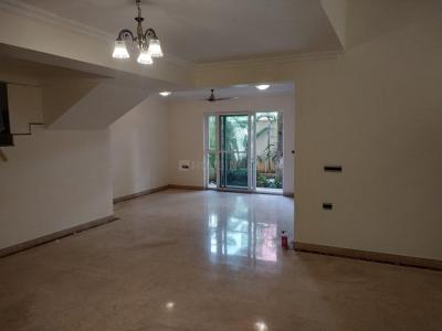 Gallery Cover Image of 3200 Sq.ft 3 BHK Villa for rent in Wright The Grove, Mullur for 50000