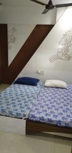 Bedroom Image of Gurdeep Property in Santacruz East