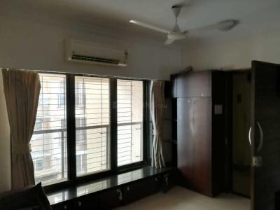 Gallery Cover Image of 900 Sq.ft 2 BHK Apartment for rent in Santacruz West for 120000
