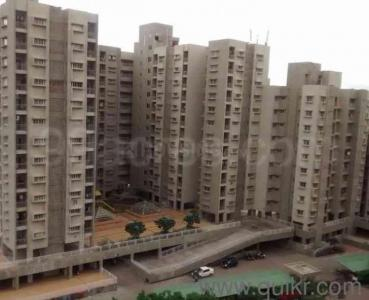 Gallery Cover Image of 1050 Sq.ft 2 BHK Apartment for rent in Hadapsar for 25000
