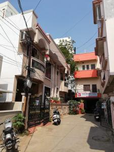 Gallery Cover Image of 3000 Sq.ft 3 BHK Independent House for buy in Begumpet 1, Begumpet for 21000000