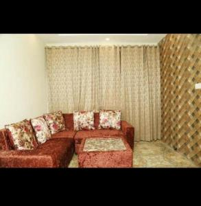 Gallery Cover Image of 500 Sq.ft 1 BHK Independent House for buy in Om Divine Divine Eco City, Sector 115 for 1190000
