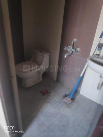 Common Bathroom Image of 1350 Sq.ft 3 BHK Apartment for buy in Mahalakshmi Nagar for 2850000