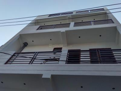 Gallery Cover Image of 747 Sq.ft 3 BHK Independent Floor for rent in Sector 105 for 13000