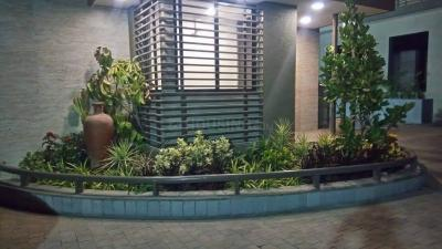 Gallery Cover Image of 1200 Sq.ft 2 BHK Apartment for rent in Grand Riviera, Paldi for 22000