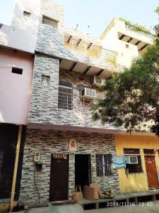 Gallery Cover Image of 441 Sq.ft 5 BHK Independent House for buy in Trans Yamuna Colony for 4200000