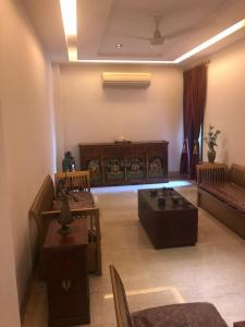 Gallery Cover Image of 2000 Sq.ft 4 BHK Independent House for buy in Sarvapriya Vihar for 45000000