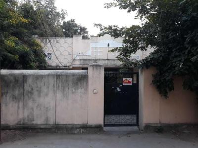 Gallery Cover Image of 10000 Sq.ft 10 BHK Independent House for buy in Banjara Hills for 55200000