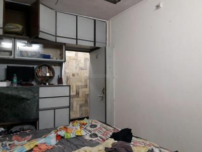Gallery Cover Image of 600 Sq.ft 1 BHK Apartment for rent in Ganpati Niwas Co-operative Housing Society, Goregaon West for 25000
