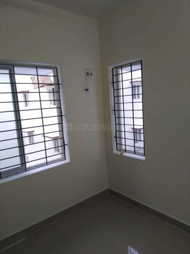 Bedroom Image of 700 Sq.ft 2 BHK Apartment for rent in Mambakkam for 9500