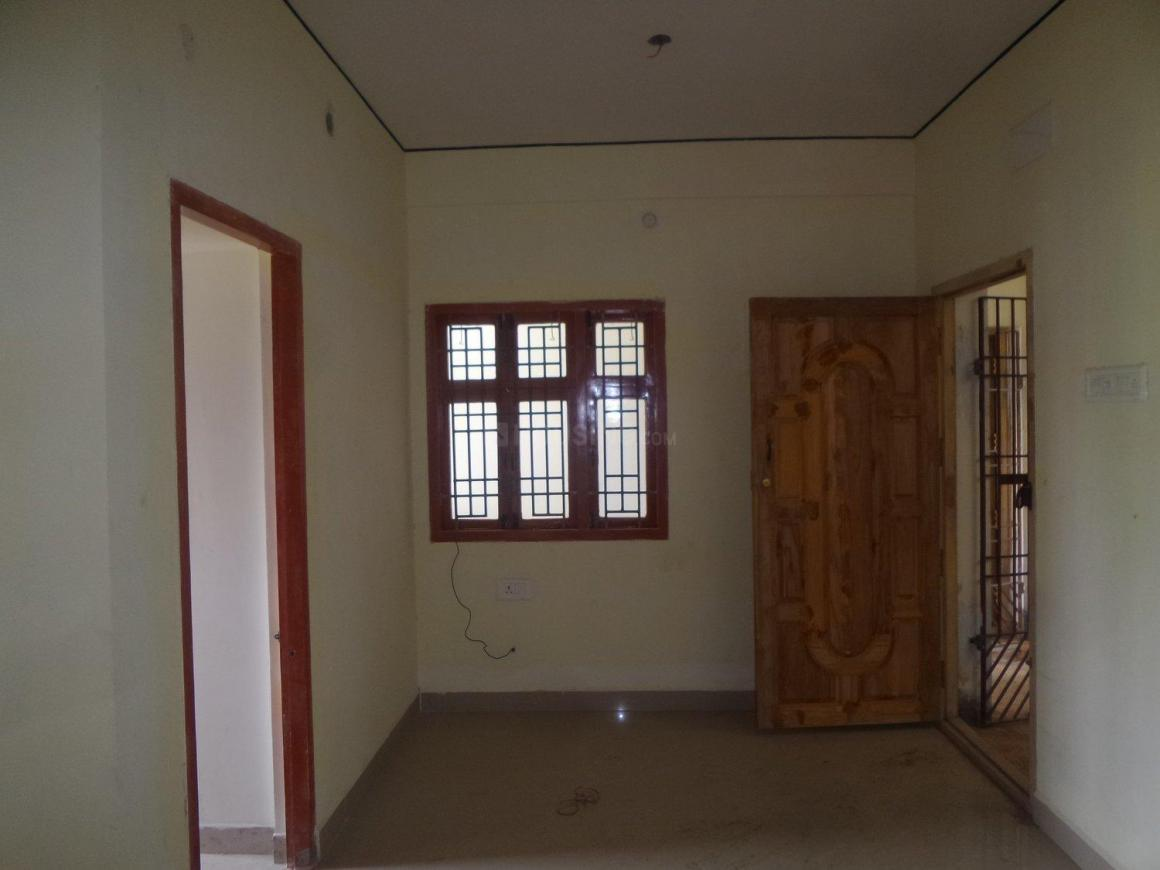 Living Room Image of 644 Sq.ft 2 BHK Apartment for buy in Ambattur for 2800000