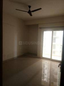 Gallery Cover Image of 850 Sq.ft 2 BHK Apartment for rent in Paramount Golfforeste Premium Apartments, Surajpur for 15000