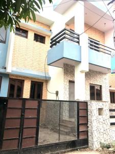 Gallery Cover Image of 1250 Sq.ft 3 BHK Independent House for rent in Jhalamand for 15000