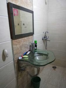 Bathroom Image of Boys And Girls PG in Niti Khand