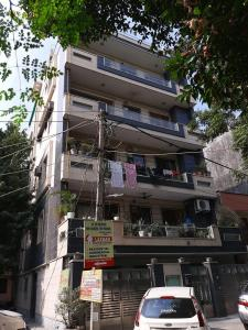 Gallery Cover Image of 1500 Sq.ft 3 BHK Independent Floor for rent in Shakur Basti for 34000