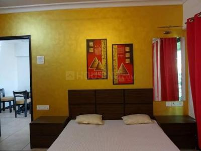 Gallery Cover Image of 1058 Sq.ft 2 BHK Apartment for rent in Tathawade for 14000