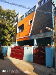 Gallery Cover Image of 1500 Sq.ft 1 BHK Apartment for rent in Tambaram for 10000