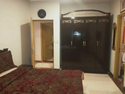 Gallery Cover Image of 1750 Sq.ft 3 BHK Apartment for buy in Andheri West for 56000000